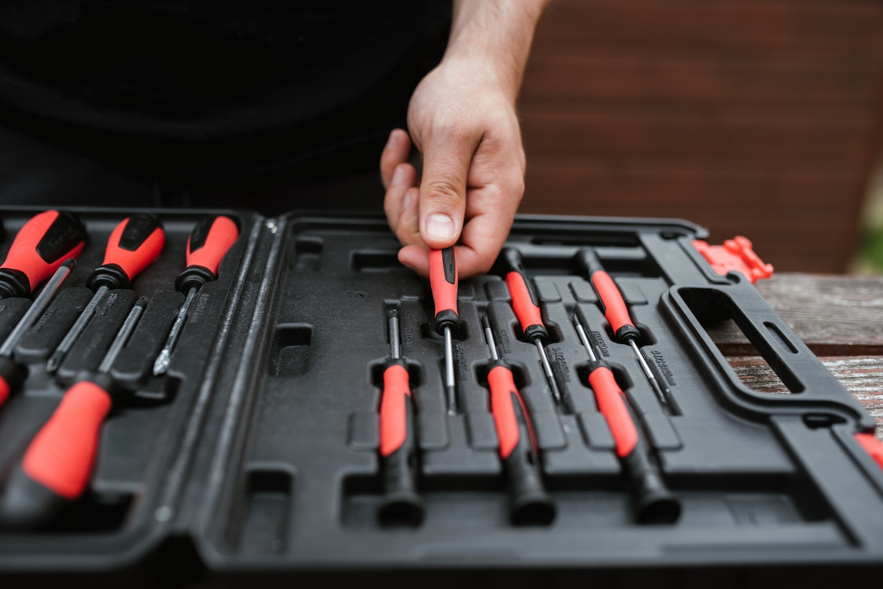 5 tools you need to write a home improvement company advertisements